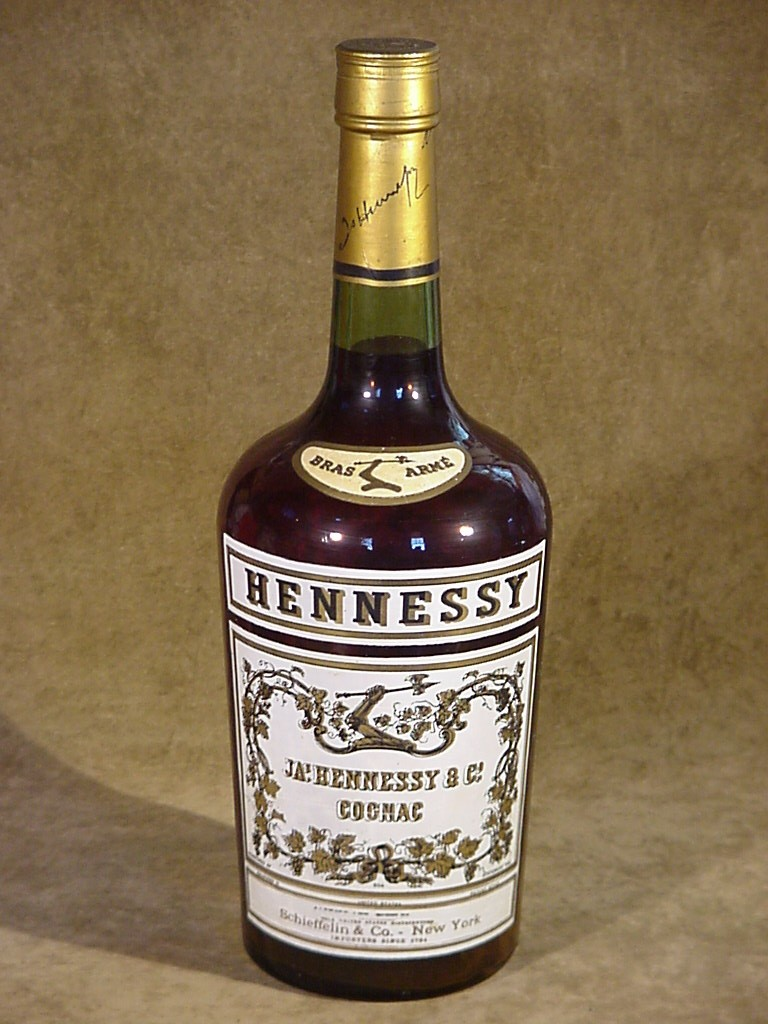 Hennessy Cognac 1 Gallon Store Display Bottle 3 Star Bras