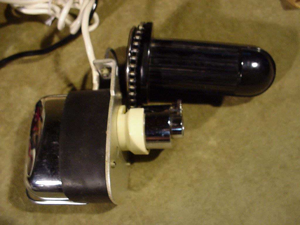 Vintage Electric Outboard Motor Cruise Trolling Remote
